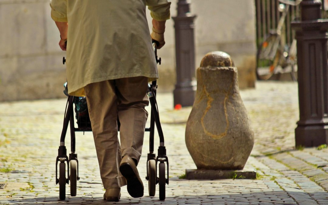 Was tun gegen schwere Beine im Alter?
